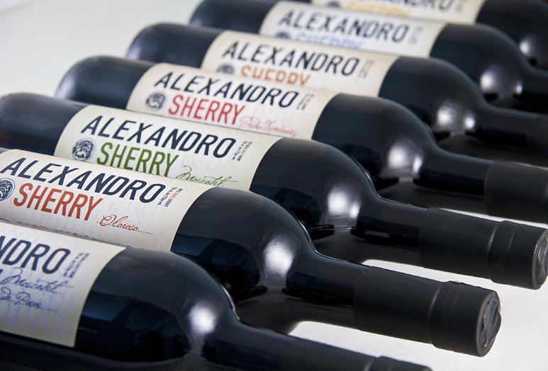 Detalle etiquetas Alexandro, diseño de ideologo.com